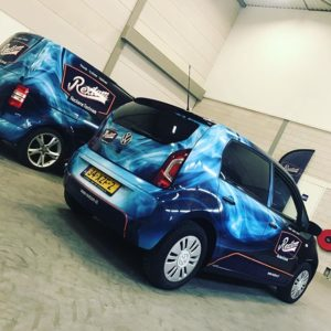 Rextom ReclameTechniek Wagenpark Volkswagen Caddy VW Up Wrapping Carwrapping Belettering Reclame